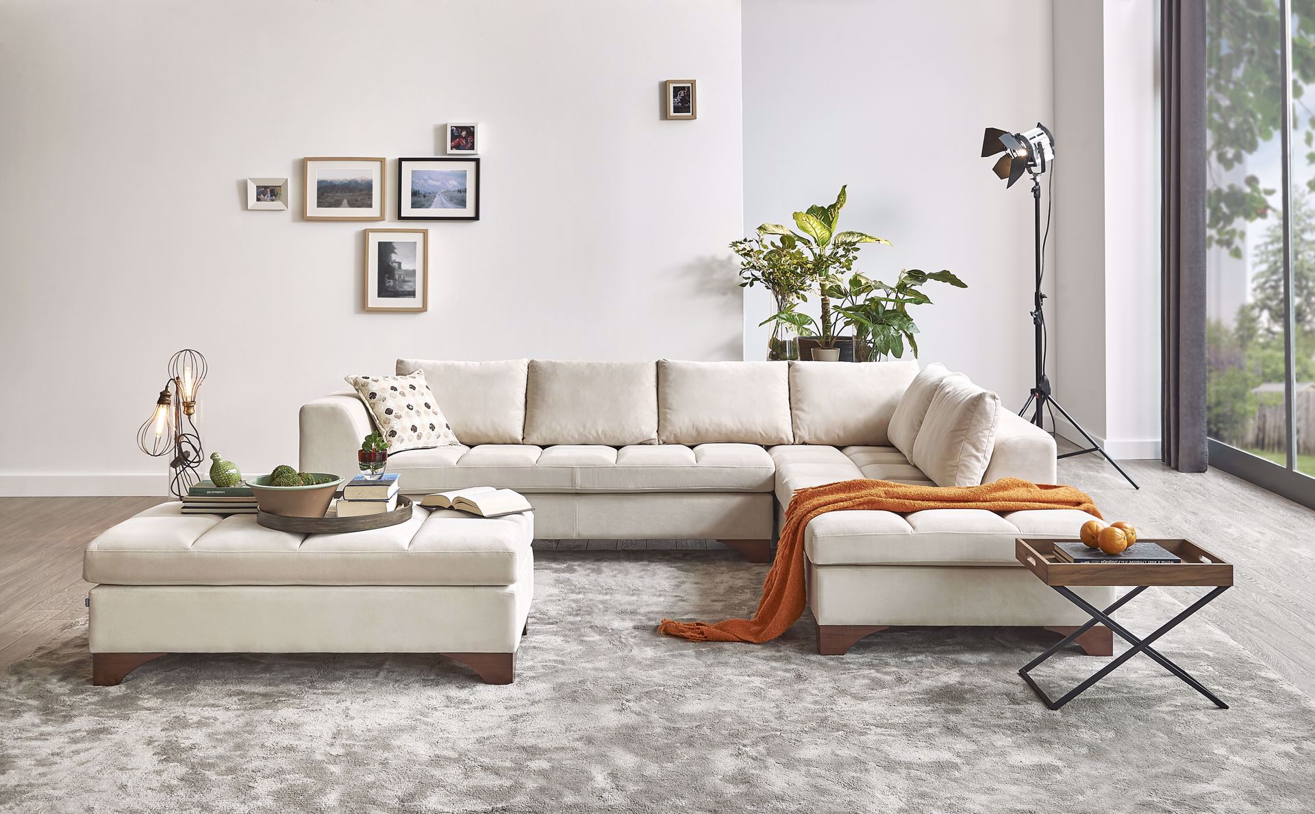 LUCCA Sectional Sofa